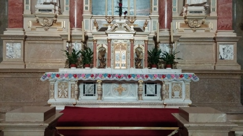 Side altar in St. Stephens