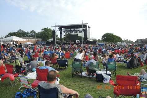 Crowd gathers for Camp Lejeune 4th of July.
